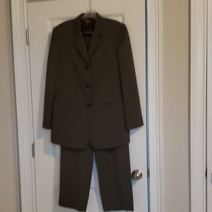 Two piece pant suit